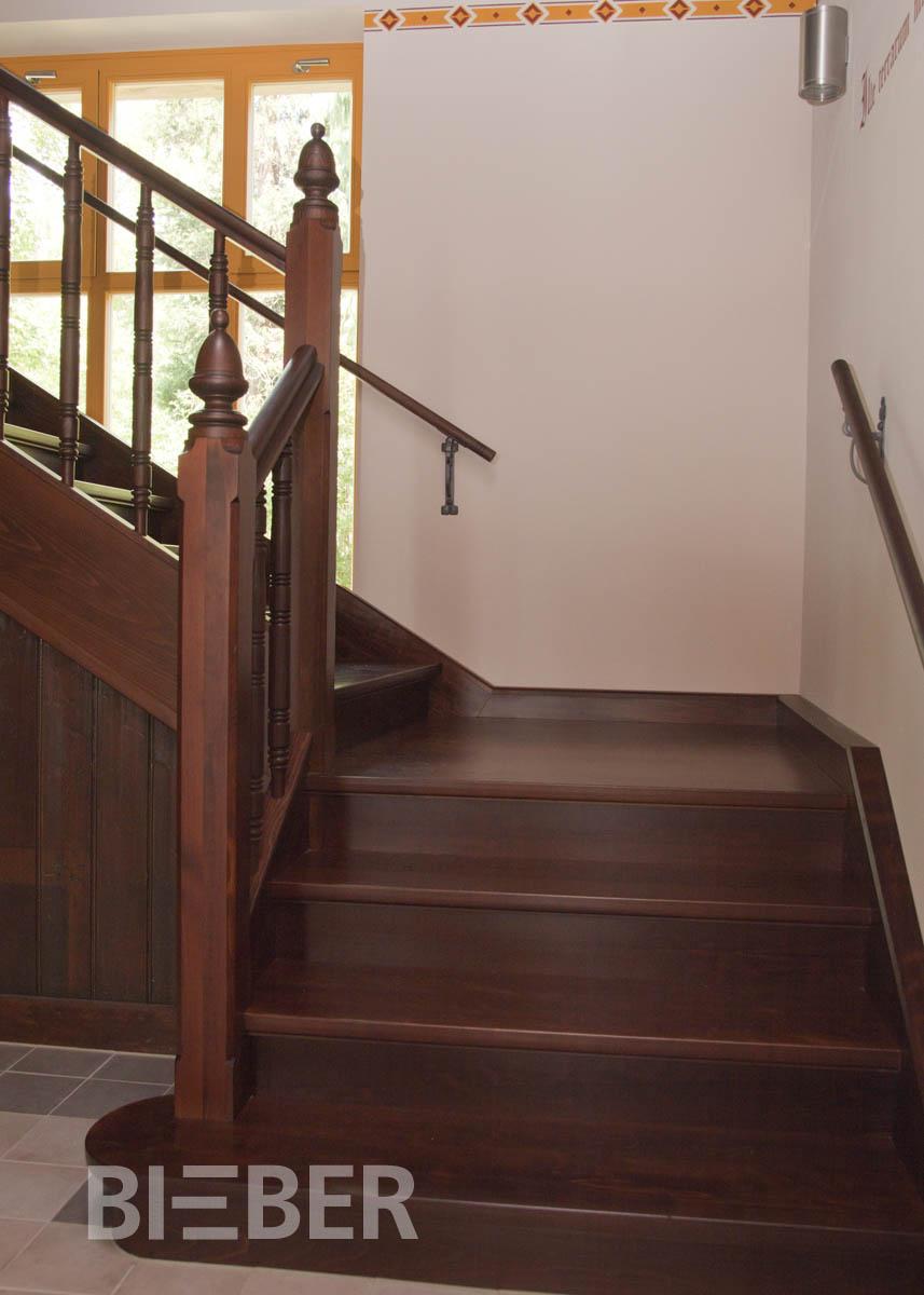Treppenpodeste als Viertelpodest, Nachbau einer historischen Treppe, Projekt: Dresden