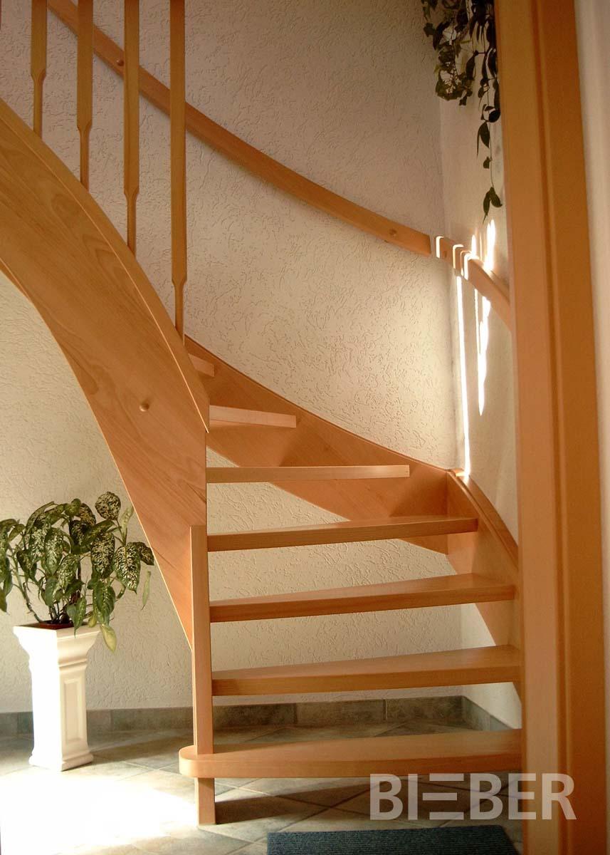 viertel gewendelte treppen tischlerei treppenbau gunter bieber individuelle holztreppen aus. Black Bedroom Furniture Sets. Home Design Ideas
