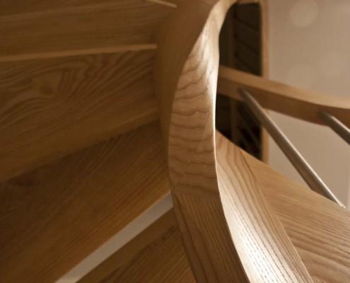 Detail Wangenkrümmling, Treppe Massivholz Esche, Projekt: Seiffen / Erzg.