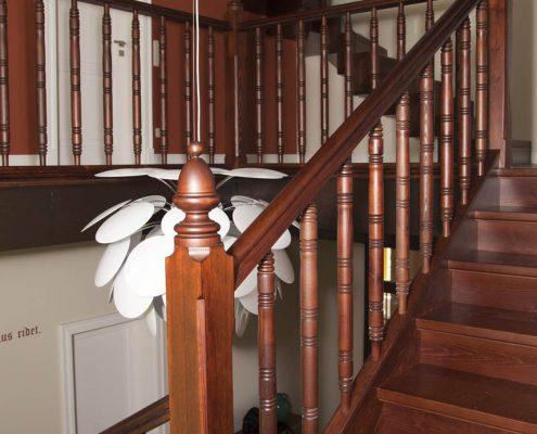 Restaurierung und Nachbau einzelner Treppenteile einer historischen Treppe, Projekt: Dresden