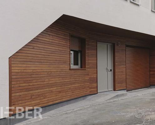 Holzverkleidung Hauseingang Rhombusschalung sibirische Lärche, Projekt: Freiberg